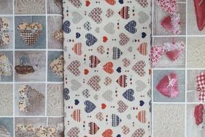 Sklep włókienniczy materiał w kratkę z serduszkami