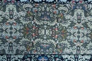 Sklep włókienniczy tkanina różne wzory kolory