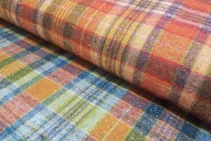 Sklep włókienniczy materiał w kratkę czerwony niebieski