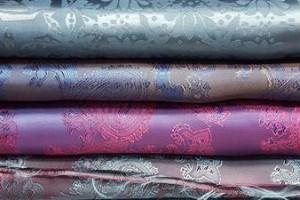 Sklep włókienniczy materiał świecący kolorowa