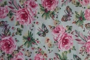 Sklep włókienniczy materiał w kwiaty róże