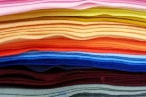 Sklep włókienniczy tkaniny różne kolory