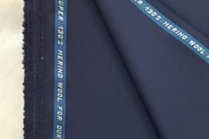Sklep włókienniczy tkanina granatowa